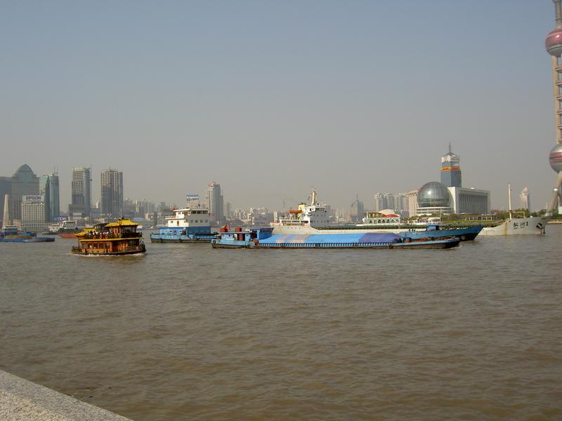 Verkehr auf dem Huangpu