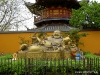 Longhua Tempel Der lachende Buddha